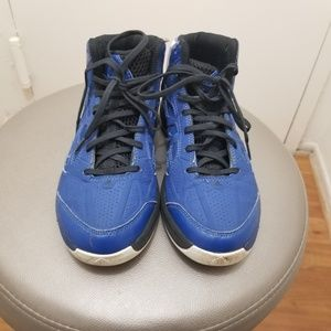 Mens ADIDAS shoes size 5